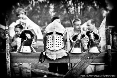 Basic field repair kit of a knight