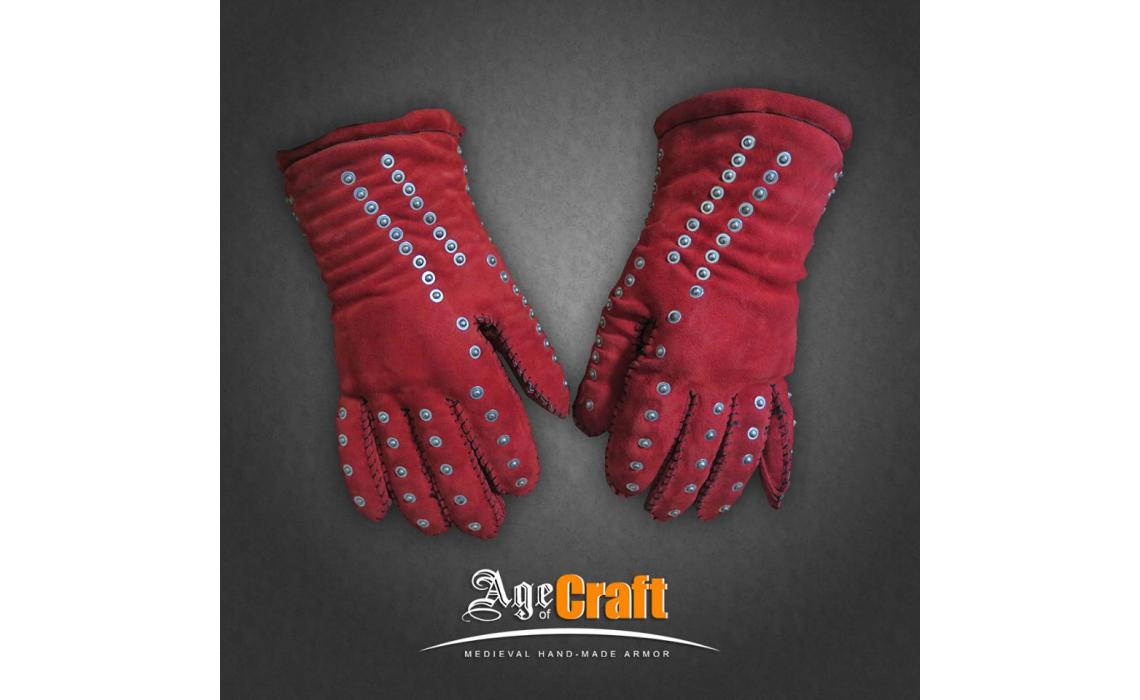 New colors of medieval mittens and gauntlets