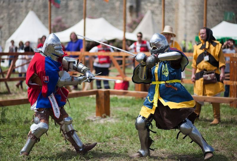 What is Historical Medieval Battle HMB ? | ageofcraft com